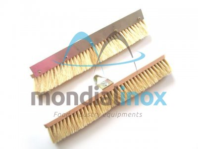 Brush for oven with scraper
