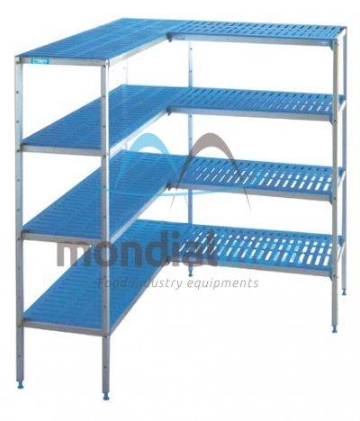 Adjustable shelf for corner